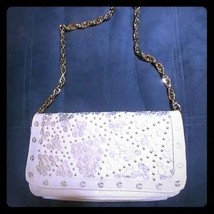 Ivory clutch with goldtone chain Black Mark/ Wh Ho